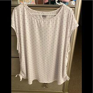 Avenue women's short sleeves blouse size 26/28🌸